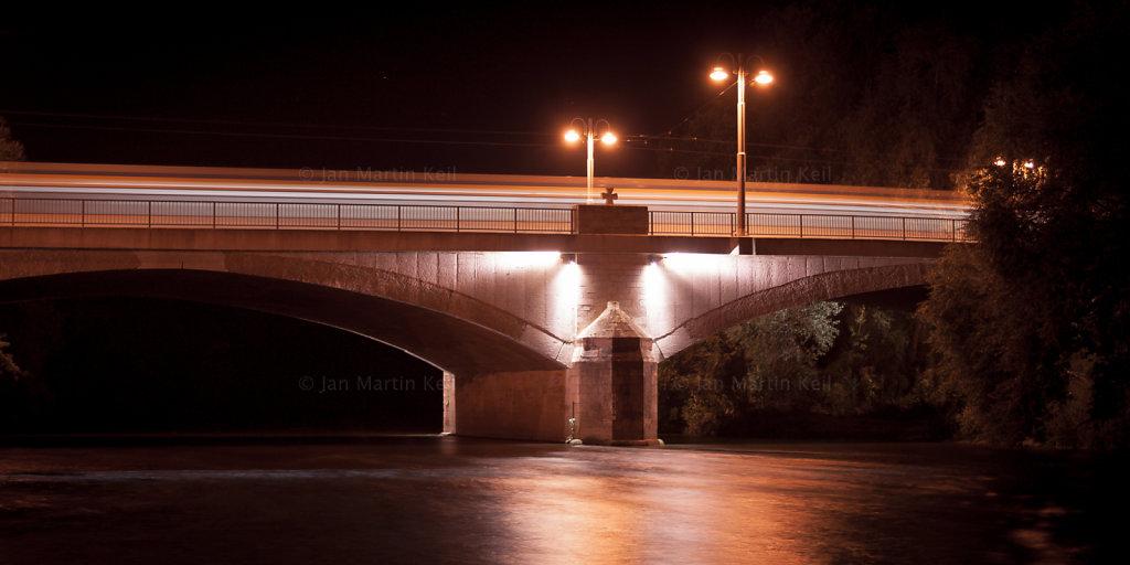 Jena: Camsdorfer Brücke mit Straßenbahn
