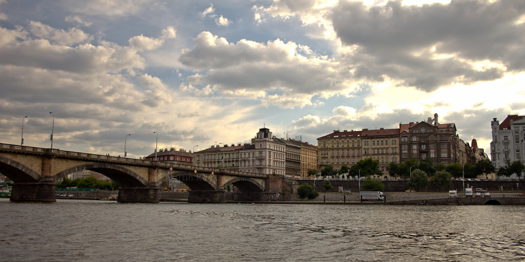 Prag: Auf der Moldau